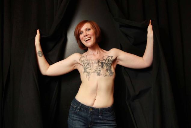 âge de 34 ans, Kelly Davidson a réussi à combattre trois ...
